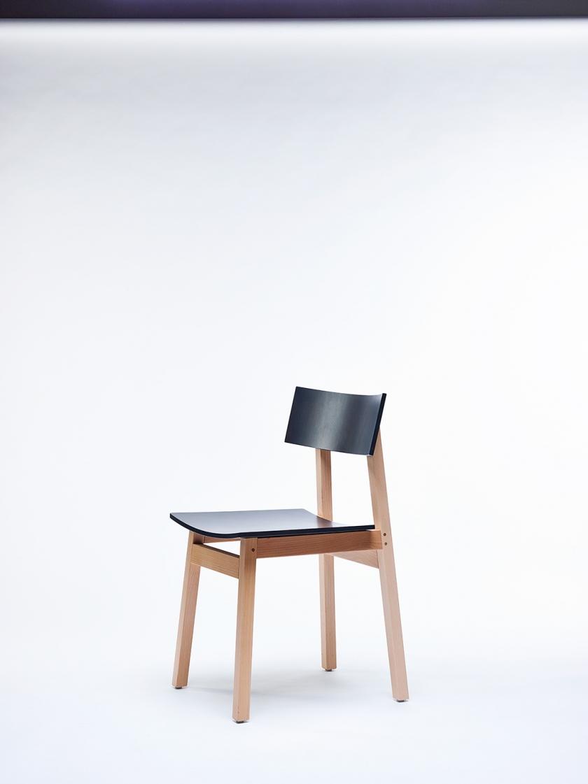Chaise48829 © Alexandre Bibaut