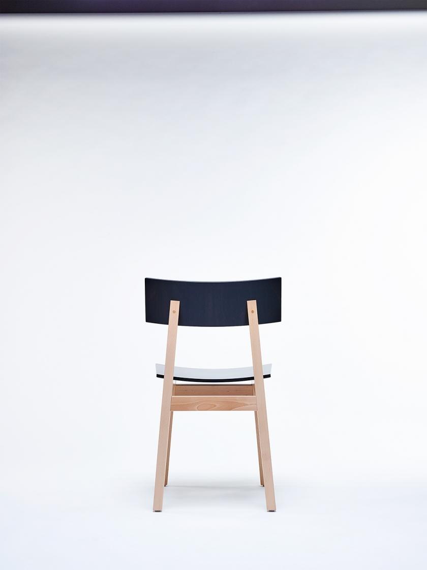 Chaise48832 © Alexandre Bibaut