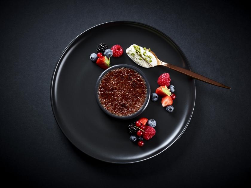 Crème-Brûlée-Carte52666-©-Alexandre-Bibaut